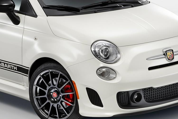 Abarth 595 C Cabrio 1.4 T-Jet 165PS Turismo 70th 2Dr Auto [Automatica] detail view