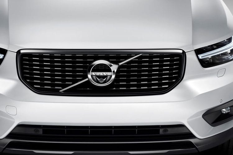 Volvo XC40 SUV 1.5 T3 163PS Momentum 5Dr Auto [Start Stop] detail view