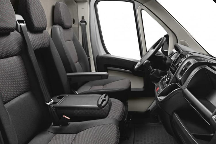 Peugeot Boxer 335 L2 2.2 BlueHDi FWD 165PS Built for Business Plus Tipper Manual [Start Stop] inside view