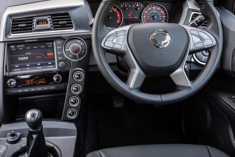Ssangyong Musso Pick Up Double Cab 4WDS 2.2 d 4WS 181PS Rebel Pickup Double Cab Auto inside view