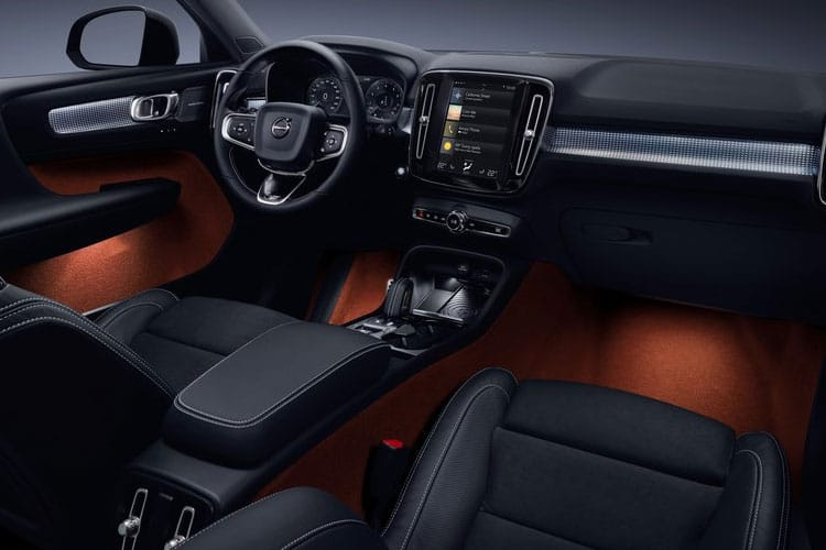 Volvo XC40 SUV 1.5 T3 163PS Momentum 5Dr Auto [Start Stop] inside view